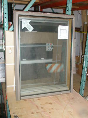 Andersen Venting Roof Window W Shades Screen 28 X 38