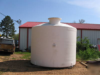 Fiberglass water tank - 7000 gal, heavy duty